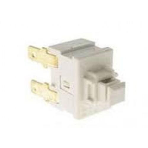 Кнопка пылесоса Bosch 00631381 выключатель турбощетки